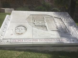 Gravat reconstruit de la ciutat de Tárraco en nomenclatura romana.