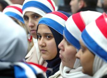 mujeres_musulmanas_colores_bandera_francesa