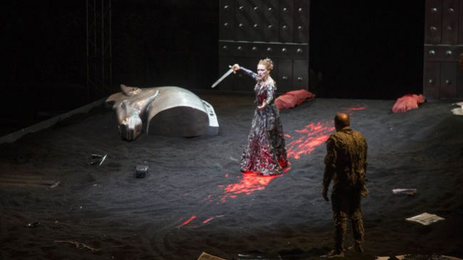 Teatro-Stabili-Orestea-Teatre-Lliure_1662443904_34419557_651x366