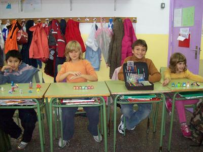 """Juan M., Helena, Marc i Ariadna fent el seu treball cooperatiu """"collections"""""""