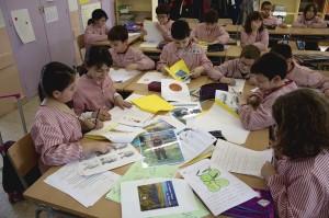 Alumnes realitzant un projecte de Vila-seca.