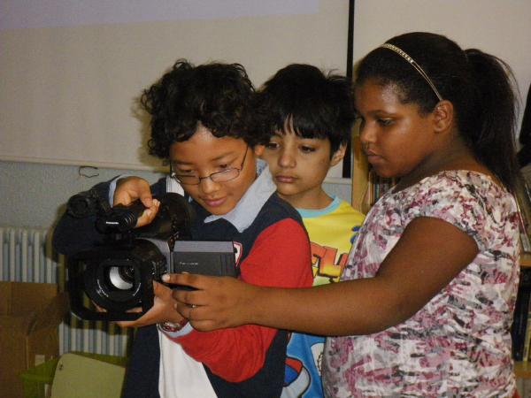 Preparant el primer pla a l'Escola Cervantes