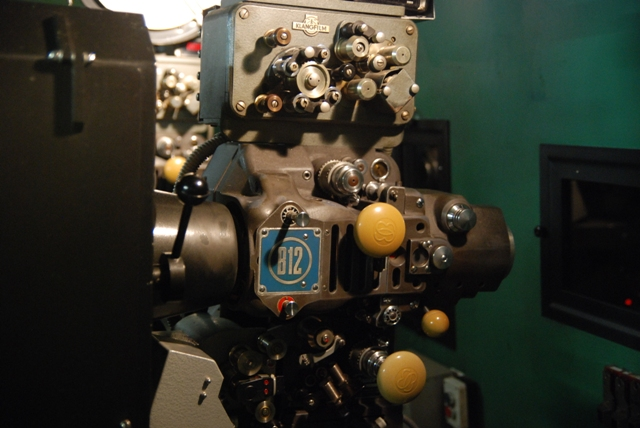 projector-filmoteca-de-catalunya