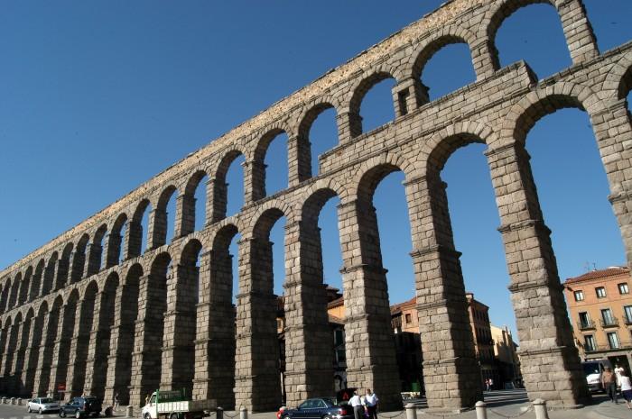 Aq eductes i arcs els cl ssics del peguera - Acueducto de segovia arquitectura ...