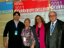 La Cap del Servei de Llengües estrangeres Sra Neus Lorenzo i els guanyadors del Sello Europeo