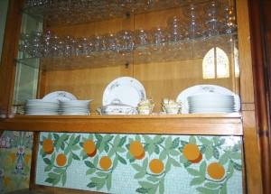 L'alacena que presideix el menjador de l'Hospital Pere Mata (Reus): Detall