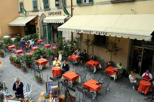 Terrace in Cortona (2007). Echiner1