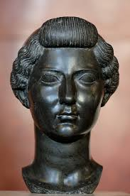 Bust de bronze de Lívia, en una edat madura