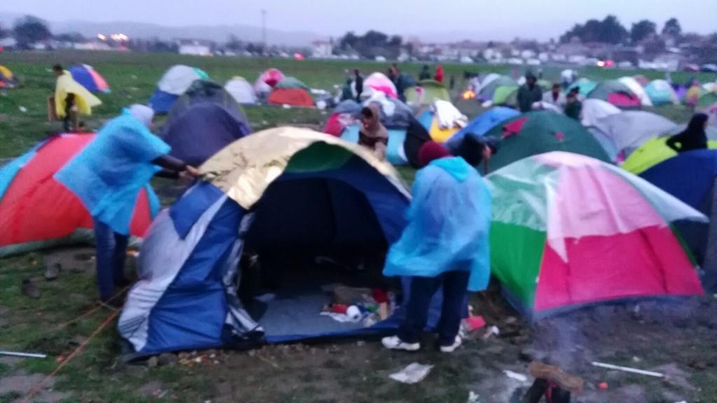Campament de refugiats sirians amb la frontera grecomacedònia tancada