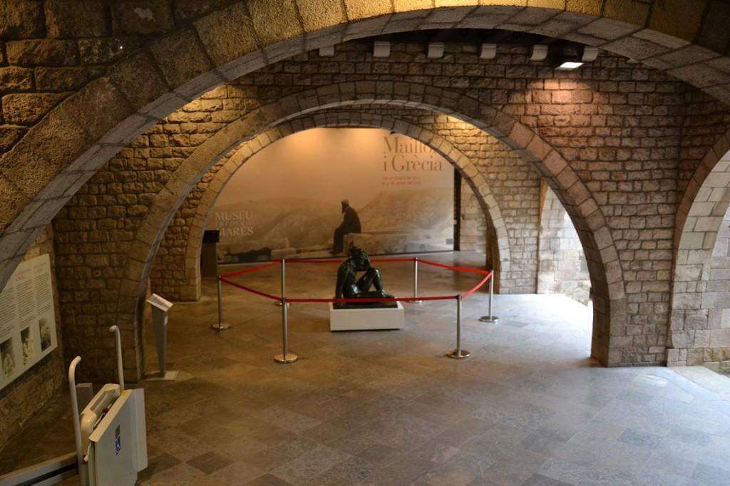 """Mediterrània, porxo del Museu Marès. Exposició """"Maillol i Grècia"""". Fotografia El Fil de les Clàssiques"""