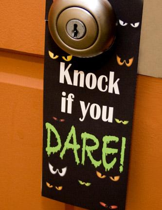 halloween-door-hanger-printable-familyfun-photo-432-fs-IMG_0347_1