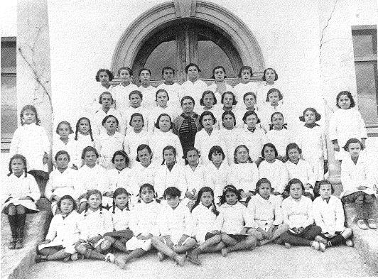 1934. Escola de nenes a cura de la mestressa Victòria Ros i Leconte. Arxiu municipal