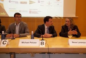 Director of Cambridge University Press in Spain Michael Peluse and Neus Lorenzo Cap del Servei de Llengües estrangeres