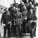 Miguel Primo de Rivera amb Alfonso XIII i altres militars
