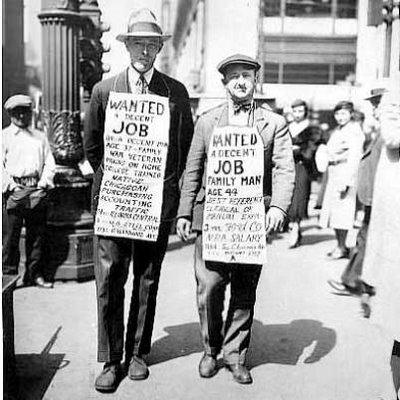 Gente busca trabajo