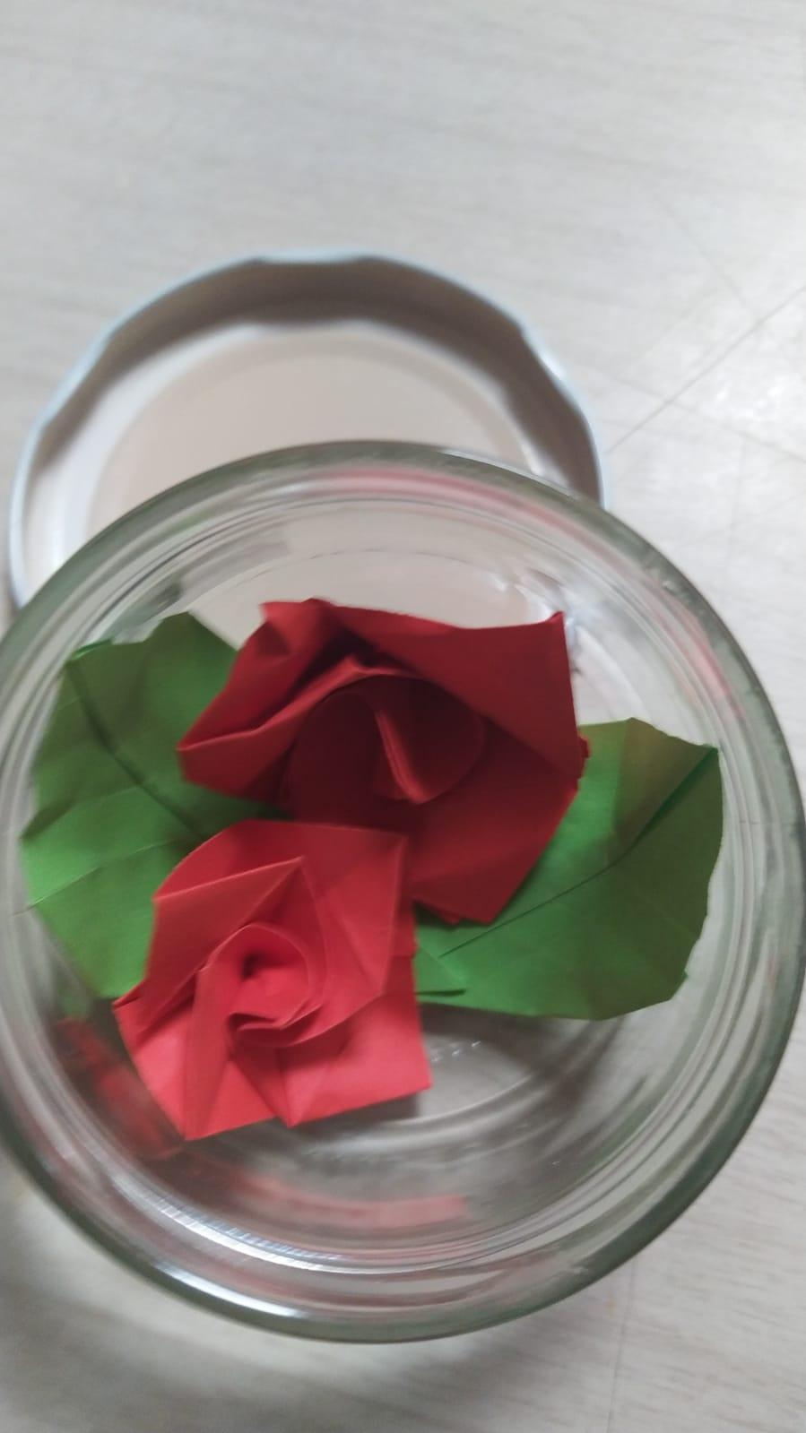 Roses amb material reciclat