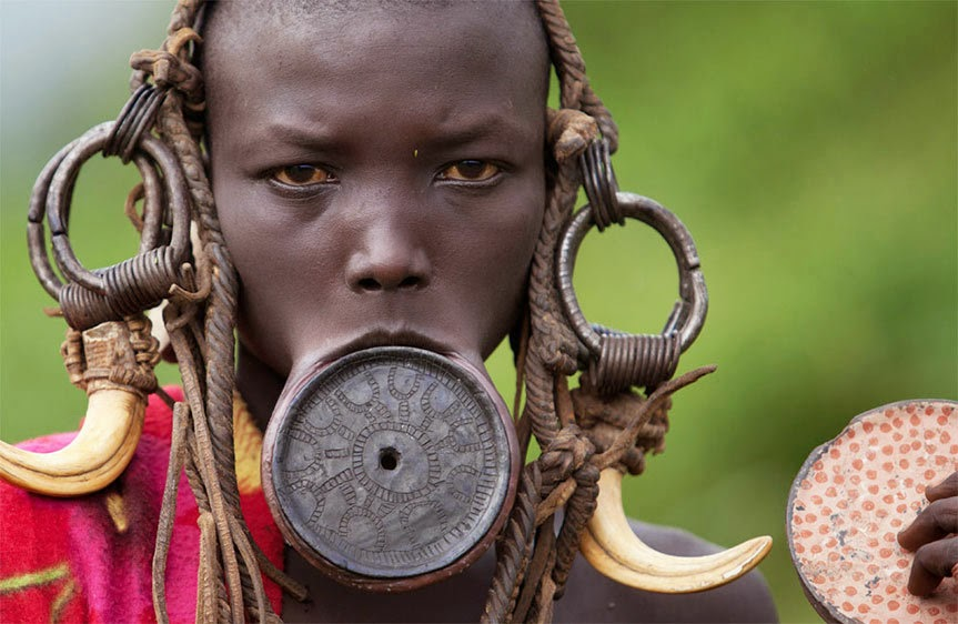 presumir mursi_ethiopia_omo_valley_lip_plate