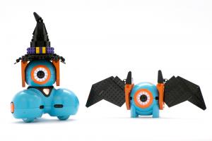 Dash-and-Dot-robot-Halloween-de-Lego