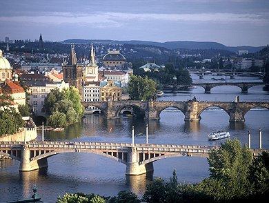 puente_sobre_el_moldava.jpg