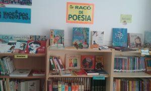 Racó poesia biblioteca escola Lluís Viñas