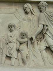 Representació en marbre de tutela romana.
