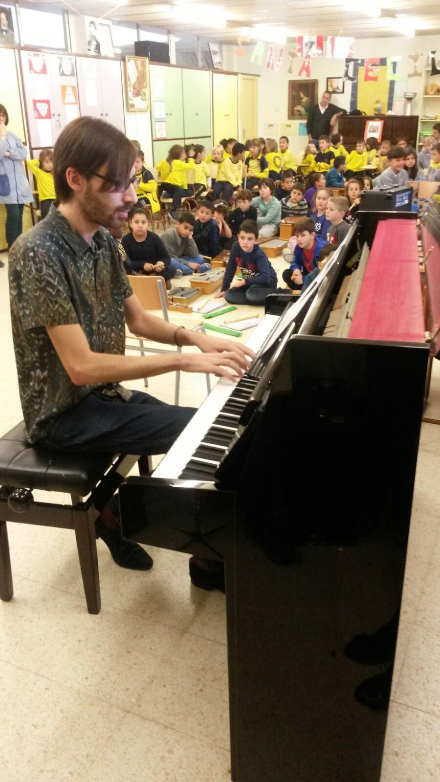 L'Àlex, un gran pianista!