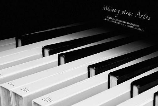 teclat-piano-llibres6.JPG