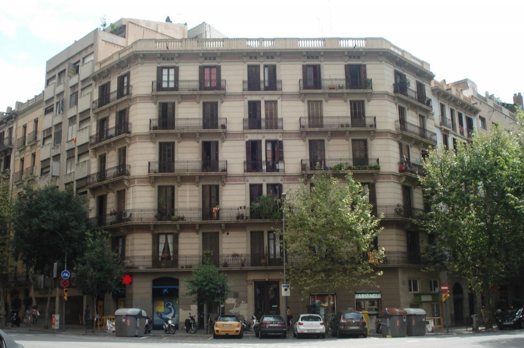 El número 36 de la calle Aribau, la casa de Carmen Laforet -y quizás también de Andrea-.
