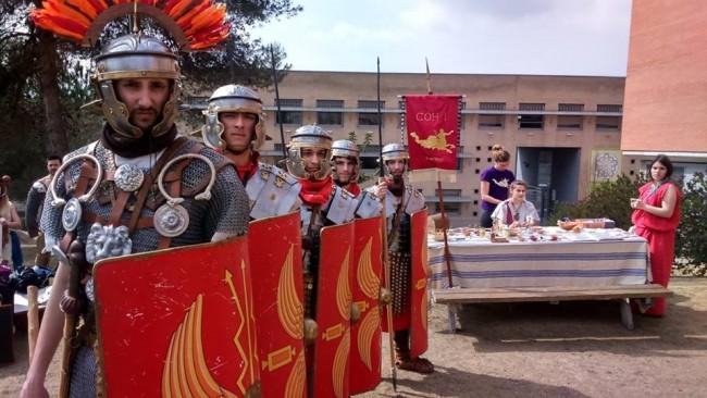 Foto de l'ambaixada de Barcino Oriens a la UAB