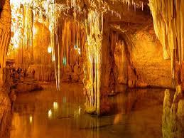 Les grutes de Neptú
