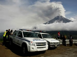 El volcà Tungurahua, a l'Equador, ha tornat a entrar en erupció. (Foto: EFE)