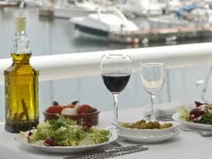Aquests ingredients no poden faltar als àpats principals en una dieta mediterrània. (Foto: Reuters)