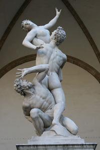 El rapte de les sabines de Giambologna. Actualment es troba al Museu Loggia dei Lanzi de Florencia.