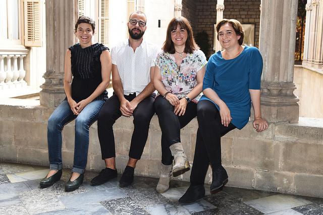 Carla Subirana, Miguel Bosch, Judith Colell i Ada Colau. (http://ajuntament.barcelona.cat/)