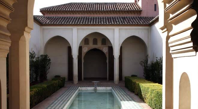 alcazaba_patio_alberca_malaga_t2900922.jpg_1306973099