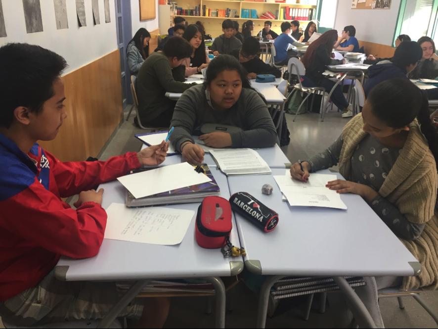 Els alumnes planifiquen el projecte.